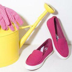 Foto: SUNNY™ sono i nostri nuovi mocassini in tela, freschi e divertenti! La loro ergonomia regala un comfort incredibile.  Svelaci il colore della tua giornata... ;)
