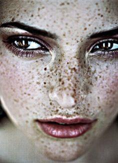 ♀ Girl portrait face #Freckles #portrait