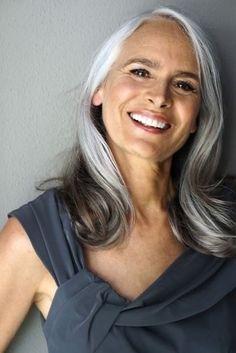 Long Gray Hair, Grey Wig, Silver Grey Hair, Silver Ombre, Gray Ombre, Dark Hair, Older Women Hairstyles, Long Hairstyles, Braided Hairstyles