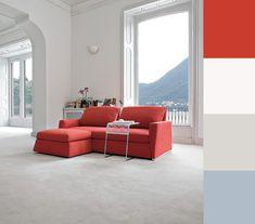 Divano rosso ambiente tradizionale total white, paletta colori e abbinamenti. Furniture Design, Villa, Palette, Couch, Interior Design, Home Decor, Night, Houses, Nest Design