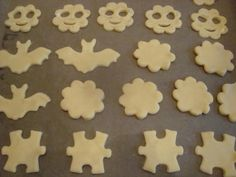 Jedlíkovo vaření: Domácí vanilkové sušenky  #baking #cukrovi #vanoce #susenky #cookies #recept Lemon Curd, Cookies, Desserts, Blog, Crack Crackers, Tailgate Desserts, Lemon Custard, Lemon Cream, Biscuits
