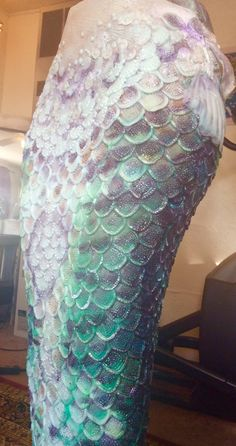 Color changing scales Tempus v designs inter- dimensional art Amy Lamphere Siren Mermaid, Mermaid Tale, Mermaid Diy, Real Mermaids, Mermaids And Mermen, Mermaid Cosplay, Mermaid Costumes, Mermaid Tail Costume, Diy Costumes