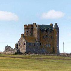 Inchdrewer Castle, Banff, Aberdeenshire, Scotland. - www.castlesandmanorhouses.com
