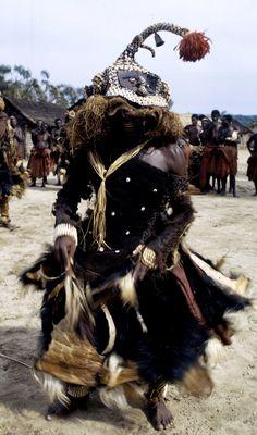 Africa   Dance of the mukyeem (mukenga) mask, by the Kuba people.  Muentshi, Democratic Republic of Congo. 1972   ©Eliot Elisofon