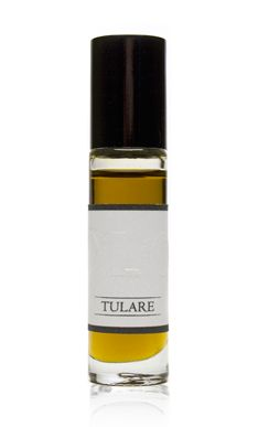 Tulare Grass * Jasmine * Orange * Wood  It is late evening and the light is turning golden.  Wandering deep in the orange groves, the ground smells of baked dirt and dry grass.  There is the faintest hint of star jasmine drifting up from the house down the hill.   http://olofragrance.com/collections/olo