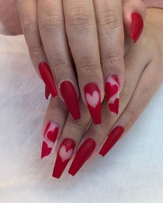 acrylic short valentines day Nägel Acryl rosa The Effec Acrylic Nail Designs Coffin, Red Acrylic Nails, Valentine's Day Nail Designs, Purple Nail Designs, Nails Design, Heart Nail Designs, Latest Nail Designs, Purple Nails, Pink Nails