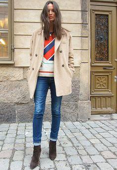 Idee de rubans de couleur piques ou broderies sur un pull ou un sweat