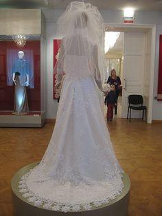 Вологодский музей кружева. Современное свадебное платье