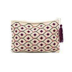 NEVIS - Negro, Burdeos & Rosa Crochet Clutch Bags, Crochet Purses, Crochet Bags, Tapestry Crochet Patterns, Tapestry Bag, Textile Art, Purses And Bags, Needlework, Knit Crochet