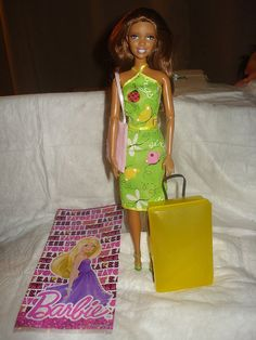Barbie takes a trip gift set in pink yellow - blwc1 via Etsy