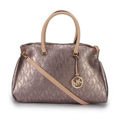 Michael Kors Skorpios Metallic Signature Large Bronze Totes Will Give You Most Wonderful Feeling Every Day! All New Designer Handbags, Bags, and Purses here! Michael Kors Outlet, Handbags Michael Kors, Michael Kors Bag, Mk Handbags, Designer Handbags, Cheap Handbags, Ladies Handbags, Designer Bags, Style Outfits