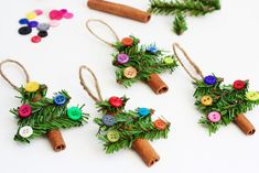 Nothing can beat homemade Christmas Ornaments & Christmas Crafts. Here are easy DIY Christmas Ornaments to make your Christmas Decorations feel personal. Stick Christmas Tree, Easy Christmas Ornaments, Noel Christmas, Christmas Crafts For Kids, Homemade Christmas, Christmas Projects, Simple Christmas, Holiday Crafts, Christmas Gifts