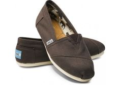 I need plain Toms, to wear with anything!! averystephens1