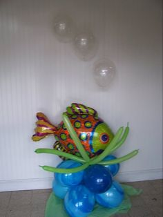 All about balloons, balloon sculptures, balloon bouquets, and balloon arches. Party ideas and LOTS of photos included! Balloon Tower, Balloon Arch, Balloons, 3 Year Old Birthday Party, Birthday Ideas, Homecoming Floats, Ocean Party, Shark Party, Dance Decorations