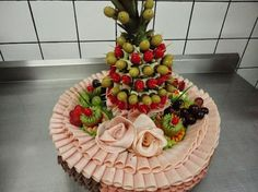 43 Ideas For Fruit Display Platter Simple Fruit Appetizers, Appetizers For Party, Y Food, Food And Drink, Antipasto, Fruit Platter Designs, Pan Relleno, Best Fruit Salad, Snack Platter