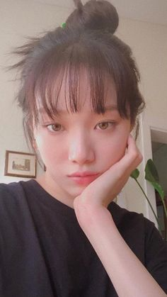 Lee Sung Kyung Photoshoot, Lee Sung Kyung Fashion, Korean Actresses, Korean Actors, Kim Bok Joo Lee Sung Kyung, Lee Sung Kyung Wallpaper, Cute Selfie Ideas, Lee Joo Young, Hair To Go