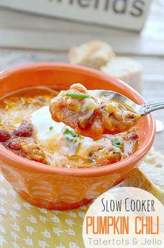 Slow Cooker Pumpkin Chili! Perfect recipe for Fall!! -- Tatertots and Jello