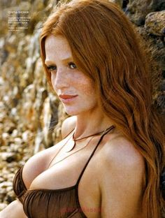 Earth tones look amazing on redheads,