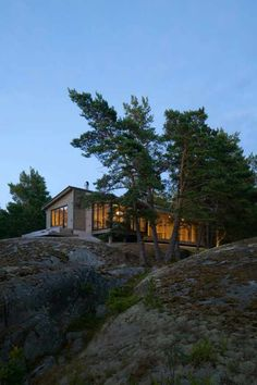 Fritidshus Ruben - Hajom Small Modern Home, Getaway Cabins, House Landscape, House Goals, Modern Architecture, Beautiful Homes, New Homes, Cottage, House Design