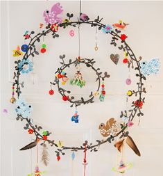 Ornament so this is just a painting but I want a very delicate wreath like this I love the multi hoop & small charms room girl bedrooms room girl creative room girl diy room girl ideas room girl teenagers room girl wall Diy And Crafts, Arts And Crafts, Paper Crafts, Dreams Catcher, Fleurs Diy, Scandinavian Folk Art, Wind Chimes, Craft Projects, Craft Ideas