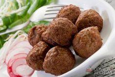 Receita de Bolinho de carne em receitas de salgados, veja essa e outras receitas aqui!