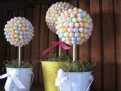 Jellybeans come in so many fun colors that you can adapt the topiaries to perfectly match any room.  Or, if you're like me and eat your favorite flavors first leaving the rest behind, you can use all of those icky leftover flavors to make them!