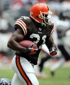 IMAGES OF THE BROWNS FOOTBALL TEAM | Green Football Player Football Players, Football Helmets, Browns Football, Michigan State Spartans, Green, Soccer Players