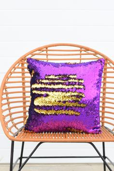 This is a gorgeously fun pillow! The orchid purple is a beautiful accent to the glamorous gold. This glamorous pillow will be the center of your room. Also, a fun accent to show your school spirit! Mermaid Room, Mermaid Pillow, Mermaid Board, Teal Girls Rooms, Sequin Crafts, Diy Christmas Decorations For Home, Sequin Pillow, Gold Bedroom, Best Pillow