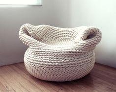 Most beautiful crochet chair ever! Amaya Gutierrez Textile Designer Creates The Bdoja Crochet Sofa chair Crochet Home, Knit Crochet, Diy Design, Design Ideas, Shape Design, Deco Pastel, Design Tisch, Knitted Blankets, Knitted Pouf