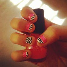 Short Nails Pink & Zebra print