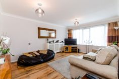 We've shortlisted our favourite flats in London for under £250,00 that are perfect for first-time buyers, investors and those looking for a slice of city life with a smaller budget.