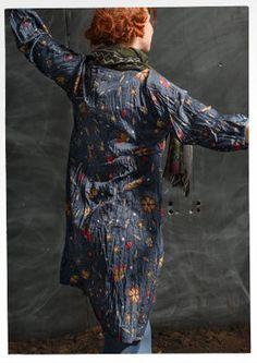 """Gudrun Sjödens Winterkollektion 2015 - Dieses Muster wurde inspiriert von dem klassischen Kattundruck und dem winterklaren Sternenhimmel. Bestelle jetzt dein """"Midvinter"""" Kleid: http://www.gudrunsjoeden.de/mode/produkte/kleider/kleid-midvinter-aus-oeko-baumwolle"""