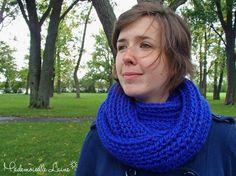 Foulard infini bleu en laine épaisse et par MademoiselleLaine