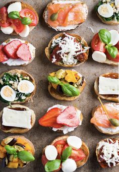 Quick Healthy Breakfast Ideas & Recipe for Busy Mornings Bruschetta plate by Alena Dziamyanka on open faced sandwiches for appetizers Quick Healthy Breakfast, Healthy Snacks, Healthy Recipes, Food Platters, Snacks Für Party, Appetisers, Coffee Break, Appetizer Recipes, Food Inspiration