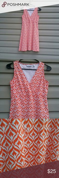 New York and Company dress Very cute New York and Company dress, fun pattern size S, excellent like new condition New York & Company Dresses
