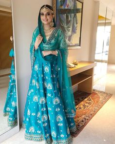 Nimrat Kahlon is a Chandigarh based designer who is breaking the regional boundaries and expanding her brand to National Level. Indian Bridal Outfits, Indian Designer Outfits, Designer Dresses, Indian Designers, Bridal Dresses, Pakistani Dress Design, Pakistani Dresses, Indian Dresses, Stylish Dresses