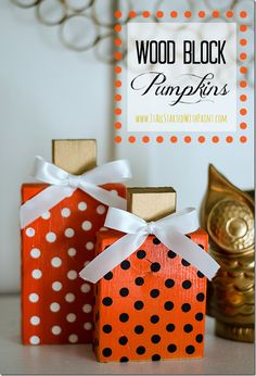 Wood Block Pumpkins DIY Wood Block Pumpkin Easy to make no carve wood block pumpkins. Made from scrap lumber and cut using miter box. Includes full diy how to make instructions. Diy Craft Projects, 2x4 Crafts, Primitive Crafts, Craft Ideas, Wood Projects, Diy Ideas, Autumn Crafts, Thanksgiving Crafts, Holiday Crafts