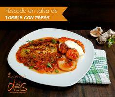 Pescado en salsa de tomate con papas, sabores y texturas que se complementan  para servir en una comida casual.