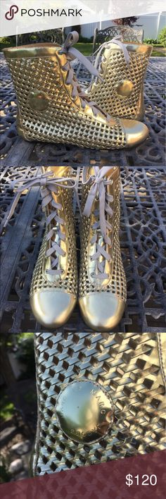 Marc by Marc Jacobs gold basket weave boots Marc by Marc Jacobs gold basket weave leather boots. Some normal wear on inner side of shoe. European 39, fits 8.5/9. Marc by Marc Jacobs Shoes Ankle Boots & Booties