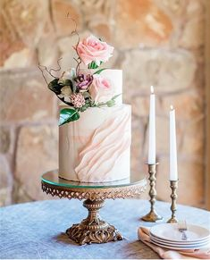 0d9ef31c315 Carsyn Abrams Photography    Wedding Cake by Mishelle Handy Cakes     Antique Gold Baroque