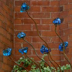 This sculpture/art yard decor - metal rod branches and colorful stones on the ends look marvelous. Metal Yard Art, Metal Art, Glass Garden, Garden Art, Garden Design, Bottle Trees, Gothic Garden, Fused Glass Art, Stained Glass