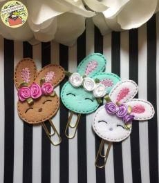 Bunny paper clip, spring paper clip, planner paper clip, f Felt Diy, Felt Crafts, Diy And Crafts, Crafts For Kids, Easter Crafts, Holiday Crafts, Felt Bookmark, Diy Bookmarks, Felt Ornaments