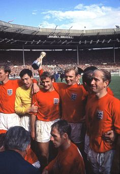 Captain Bobby Moore of England holds the Jules Rimet trophy aloft alonside tea mates after the World Cup Final between England and West Germany at Wembley Stadium on July 1966 in London, England. Get premium, high resolution news photos at Getty Images England Football Players, Best Football Players, National Football Teams, World Football, School Football, English Football Teams, Football Icon, Sport Football, British Football