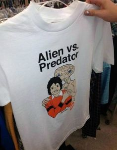 Michael-Jackson-With-ET-Shirt-Alien-Vs-Predator