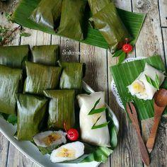 "ANEKA RESEP KUE & MASAKAN di Instagram ""Pencet LOVE 💗 dulu sebelum baca, biar kita makin semangat update ya 😊  Kue Nagasari By @sukmawati_rs --------------- Assalamualaikum....met…"" Indonesian Desserts, Indonesian Food, Steamed Cake, Traditional Cakes, Gluten, Cooking Recipes, Cheese, Snacks, Singapore"