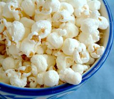 100 Family Snacks Under 100 Calories - Haley Overland Healthy Homemade Snacks, Healthy Appetizers, Healthy Recipes, Healthy Foods, Homemade Popcorn, Healthy Tips, Healthy Popcorn, Fun Recipes, Juice Recipes