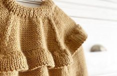 Knitted Ruffle Sweater for girl [ Knitting Pattern Tutorial ] How To Start Knitting, Knitting For Kids, Baby Knitting Patterns, Baby Patterns, Baby Girl Cardigans, Girls Sweaters, Knitted Baby Cardigan, Trendy Colors, Baby Dress