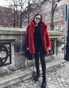 🐞 Instagram: jldrae Casual Outfits, Fashion Outfits, Fall Winter Outfits, Fur Coat, Instagram, Winter Jackets, Style Inspiration, Chic, Women