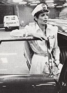 Bianca Jagger can do no wrong. The bossy balance between sexy, bohemian + HBIC power dressing The epitome of effortless, Bianca ow. Bianca Jagger, Charlotte Rampling, Twiggy, Alexa Chung, Timeless Fashion, Vintage Fashion, Rolling Stones Tour, Annie Leibovitz, Power Dressing