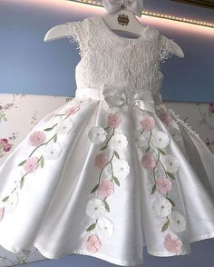 White lace and pink flowers special occasion dress Gowns For Girls, Girls Party Dress, Little Dresses, Little Girl Dresses, Girls Dresses, Flower Girl Dresses, Toddler Dress, Baby Dress, Dress Anak